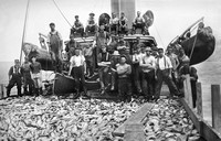 Bunker steamer Amagansett and crew, undated